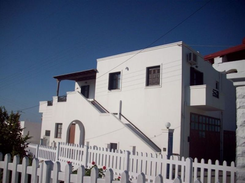 Greece Cyclades island Milos  rent apartment Tripiti  for 4//5/6/person