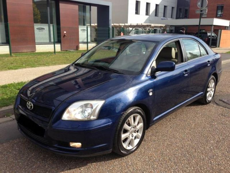 Toyota Avensis ii (2) 177 d-4d clean power 5p