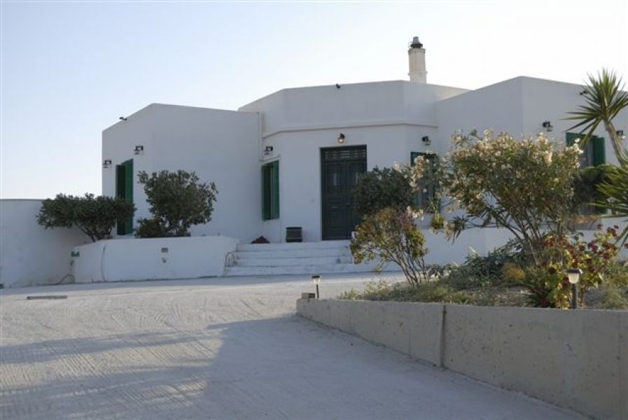 Greece Cyclades island of Milos  rent villa for 8 person