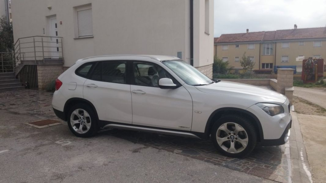BMW X1 xDrive18d à donner