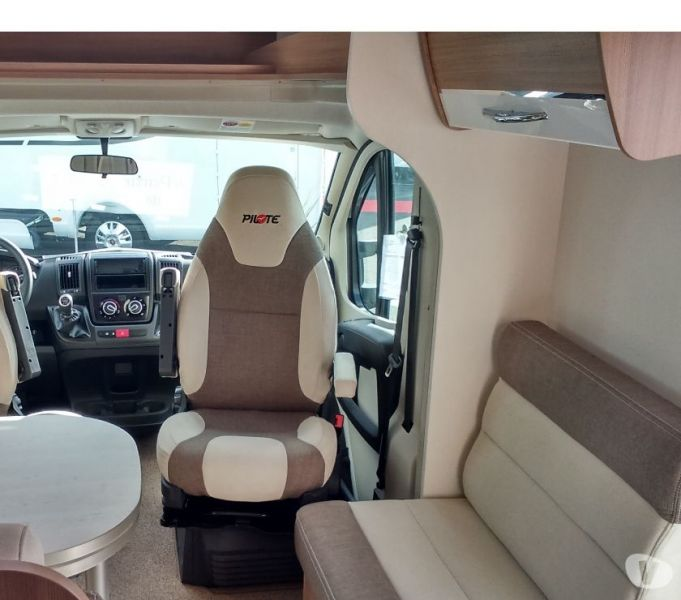 DONNE Camping car Pilote 746